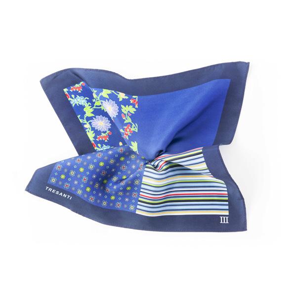 Printed navy/blue pocket square made of silk